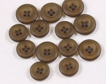 6 buttons 15mm or 17mm, polyester, greenish, 4 holes (4307)