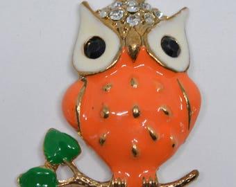 Cute gold tone and enamel owl pendant