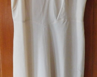 vintage full slip Barbizon Endear Trafredda beige size 16 ACCORDION PLEATS