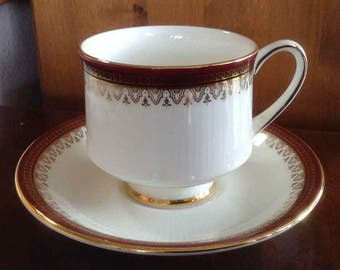 Vintage Royal Albert Bone China Teacup and Saucer - Paragon Holyrood Pattern - Made in England - 1983