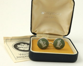 Vintage Boxed Wedgwood Sage Green Jasper Cameo Sterling Silver Clip On Earrings