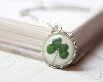 Four leaf clover necklace, Green Shamrock necklace, Saint patricks day necklace, St patricks day gift 4 leaf clover necklace, Lucky necklace