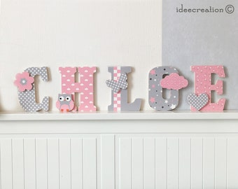 Letters land of wood and fabric customizable to the child's name, pink and gray pattern