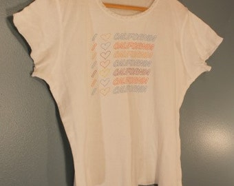 Vintage 1980's Women's I Love California White Over-Sized T-Shirt with Lace Collar Size Medium