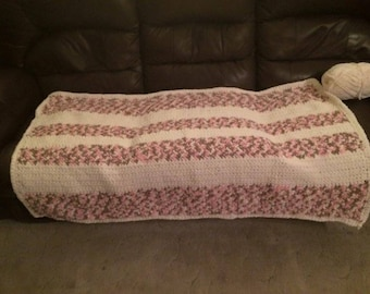 Striped white and pink baby blanket (crochet)