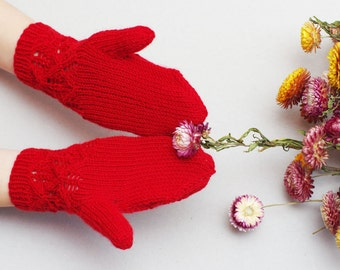 Kids red gloves, knit lace gloves, red wool mittens, gloves kids 5T-7T, kids knitted mittens, Christmas gloves