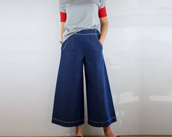 Cropped Wide Leg Denim Pants with White Top Stitching, Pockets, Flat Front and Elastic Waist