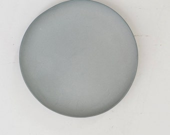 Plate porcelain gray