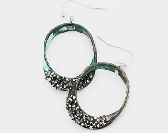 Twisted Metal Oval Stone Cluster Hoop Earrings