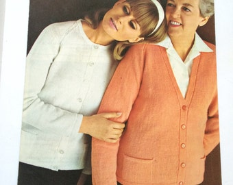 Coats carefree knitting pattern 2 cardigans no.44