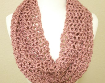 Lacy Infinity Scarf in Light Pink