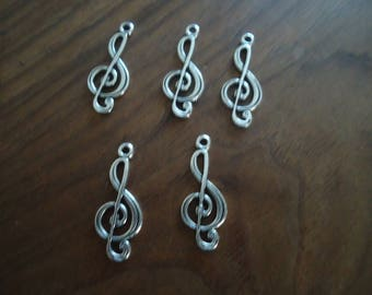 set of 5 music NOTES - antique silver charms beads