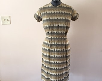 Vintage 1960s Dress Gray Yellow Scallops Sz M/L