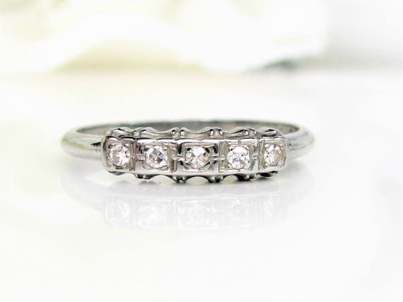 Vintage Art Deco Keepsake Diamond Wedding Ring 18K White Gold