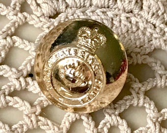 British Military Uniform Button - Stay Bright Finish Loop Back - Royal Catering Corps Queens Crown 1953+ 18mm