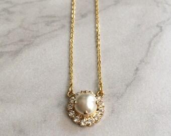 Gold wedding necklace - bridesmaid necklace - bridesmaid gift - pearl pendant - pearl necklace - gold bridesmaid necklace - Harper necklace