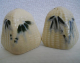 Pyramid Salt and Pepper Shakers - vintage, collectible, Japan