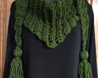 Forest Green - Chunky weight Ribbed Triangle scarf w/ Tassels - made by me