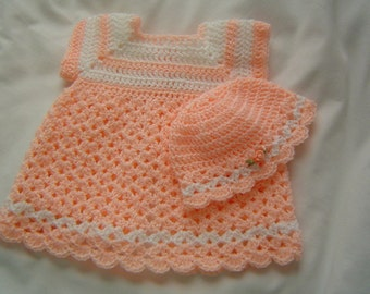0028A Mamas Love Preemie Pattern Dress and Beanie / Reversible