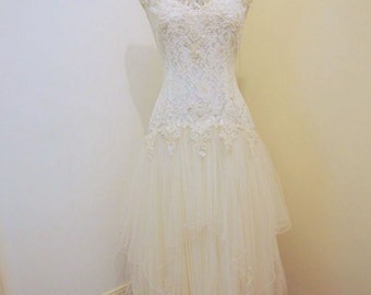 Beaded Lace & Tulle Vintage Wedding Dress Size 8