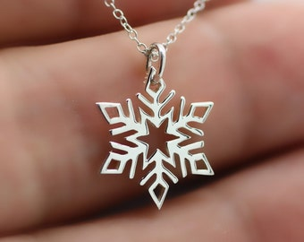 SNOWFLAKE NECKLACE - 925 Sterling Silver - Winter Jewelry Snow Flake Charm *NEW*