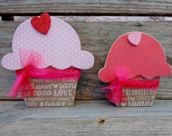 Valentines Decor- Valentines Gift- Valentines Decorations- Cupcake Decor- Cupcakes set of 2
