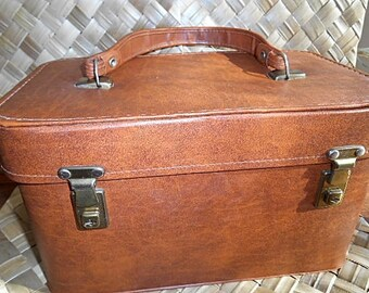 Vintage Tan Vinyl Overnight/ Travel / Beauty Case