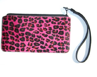 Fuchsia Leopard print fur wristlet