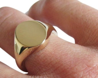 Gold signet ring small