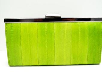 """Womens wallet, Ladies wallet, leather wallet,""""Linnea"""" in green, leather, wallet, purse, handmade, clip lock, wallet clutch, women gift"""