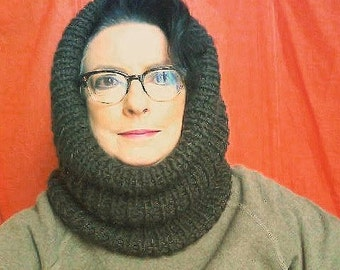 English ribbed cowl neck