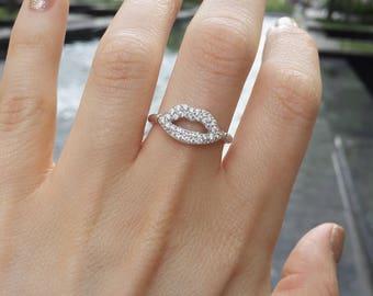 Flirty Lips Ring, Cz Diamond Silver Ring, Cz Statement Ring, Lips Celebrity Ring, Designer Silver Delicate Modern Ring, Dainty Love Gift her