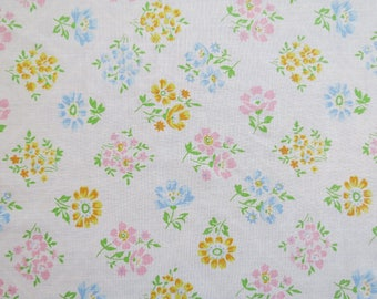 Vintage Sheet Fabric Fat Quarter - Pastel Floral Blocks
