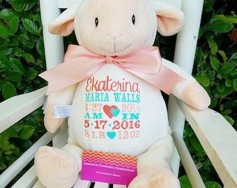Pâques, personnalisée d'agneau Cubby, cadeau bébé, cadeau bébé personnalisé, naissance annonce, animal en peluche en peluche, cadeau de naissance parfait, sur mesure