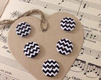 5 buttons wood HERRINGBONE black