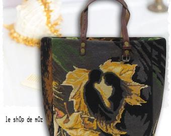 French Tapestry Purse, Canvas Handbag French Scene : Le Yael