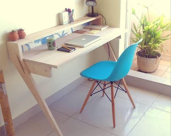The Leaning Desk