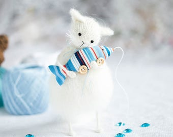 White cat figurine, Knitted cat toy, Fluffy cat plush doll, White cat art doll Cat owner gifts for cat dad Cats lover gift uk Wool cat decor