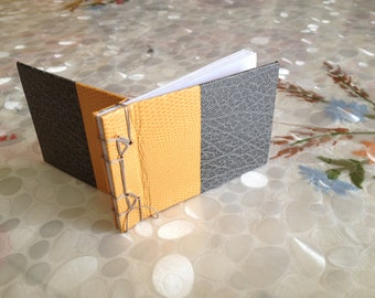 Japanese book two-tone, 6 / 9cm with skivertex cover. Japanese handmaked notebook, with two colors