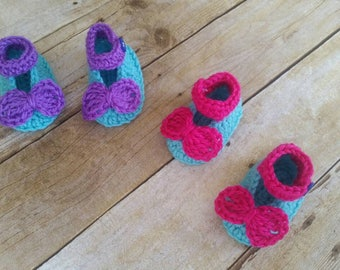 Crochet Shoes, Baby Mary Janes, Crochet Baby Shoes, Newborn Shoes, Baby Shower Gift, Baby Girls Shoes, Knit Baby Shoes, Ready to Ship Flower
