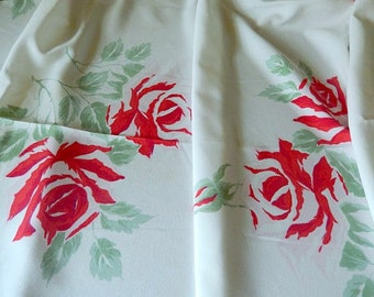 vintage tablecloth, red roses tablecloth, 1950s, floral tablecloth, table linens, rectangular tablecloth