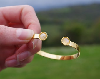 Bangle Bracelet gilded with fine gold, Moonstone