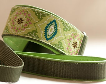 Green and Olive Brocade Slip Lead