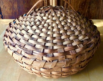 Early American Hand Made Splint White Oak Sewing/Storage Basket with Lid