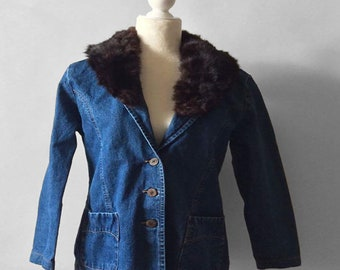 90s womens denim coat with fur collar