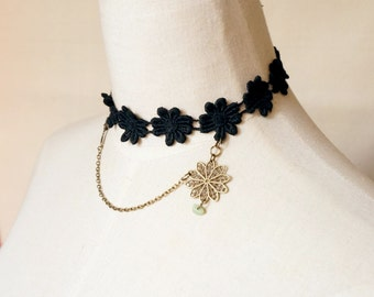 SALE cotton lace necklace / black lace choker/ bronze charm beaded // floral flower art deco vintage // jewelry gift