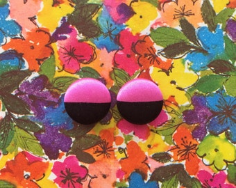 Fabric Covered Button Earrings / Wholesale Jewelry / Pink and Black / Studs / Color Blocking / Bridesmaid Gifts / Boutique Stock