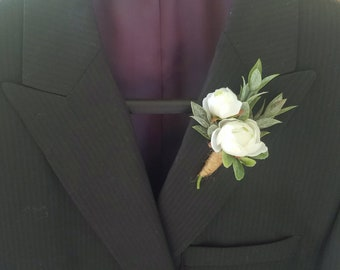 Rustic Wedding Boutonniere, White and Green Boutonniere, Rose and Ruscus Boutonniere, Groom Boutonniere, Groomsmen Boutonniere