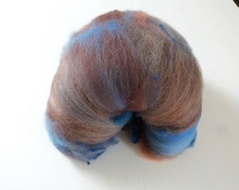 Batt hand dyed handkadiert 115 g merino Corridale Earth and sky blue Brown
