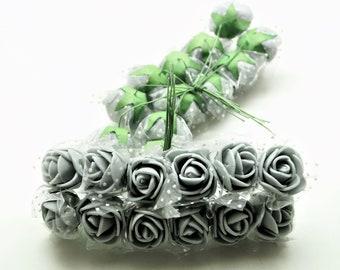 Lot de 4 bouquets de 12 mini roses artificielles 25 mm, mousse grise et voile